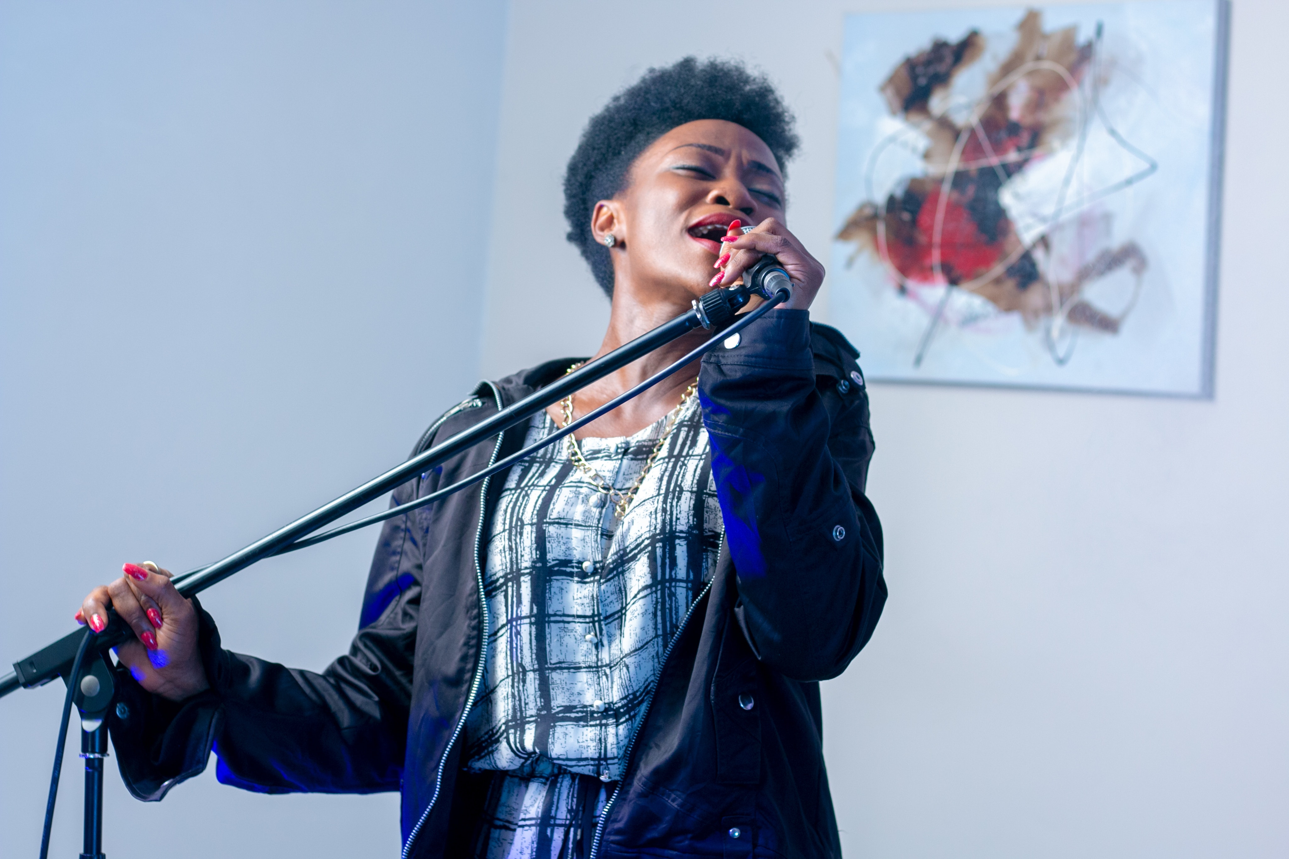 woman singing radio wellness