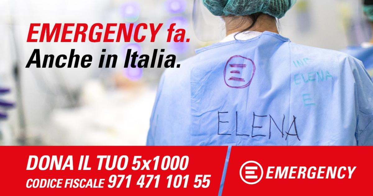 Infermieri di EMERGENCY con numero per donazione
