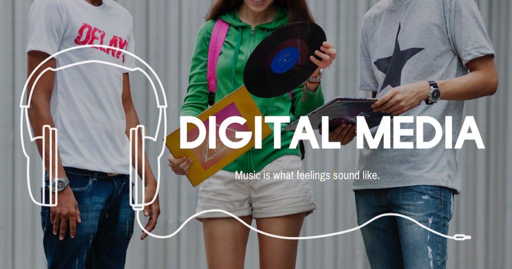 Vinili, lettori mp3, cuffie, digital music