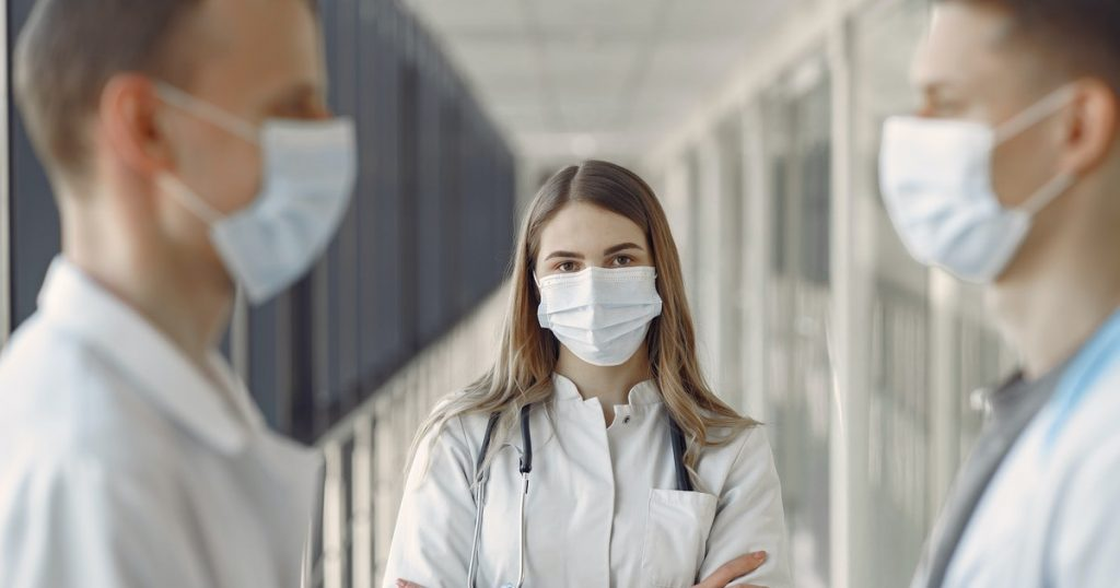 farmacisti mascherine