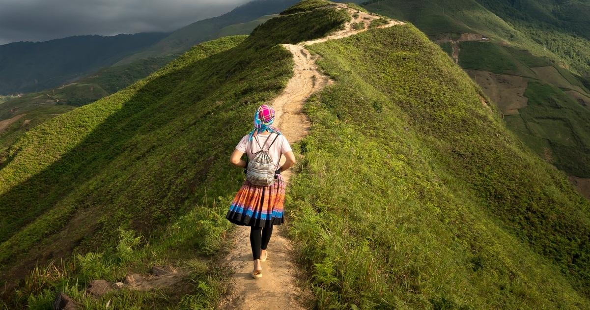 Camminare Aiuta A Mantenersi In Salute In Forma E Contrasta Lo Stress Tutti I Vantaggi Delle Passeggiate All Aria Aperta Radio Wellness