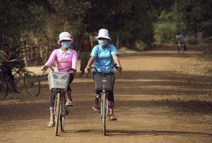 gente nello smog