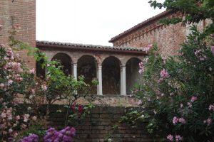 scorcio di uno dei giardini di Ferrara