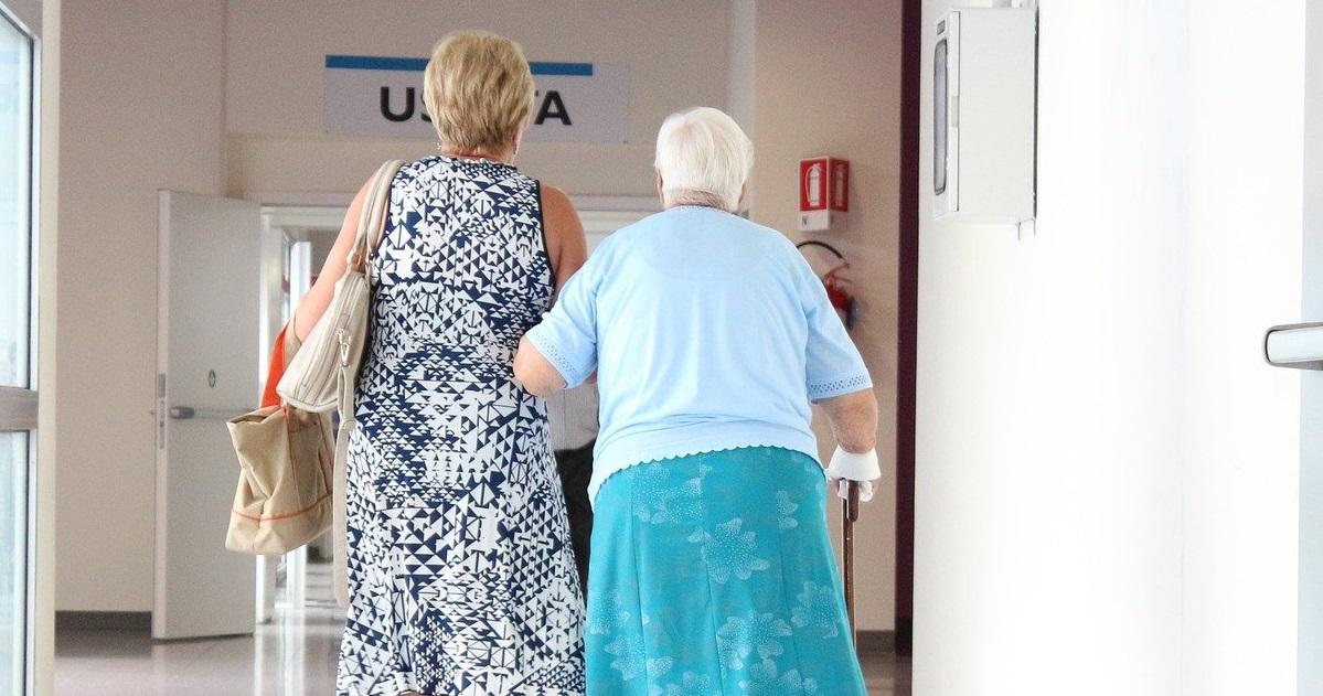 anziana in ospedale