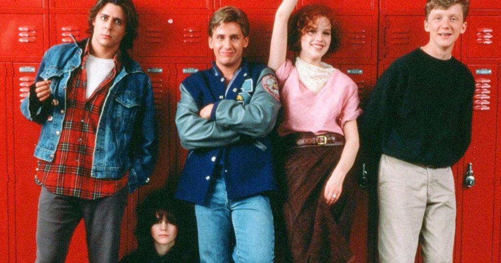 Breakfast Club è uno dei film citati in Andare a scuola a Hollywood di Massimo Benvegnù